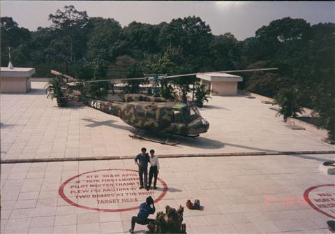 199312HKGSGNPEN007.jpg