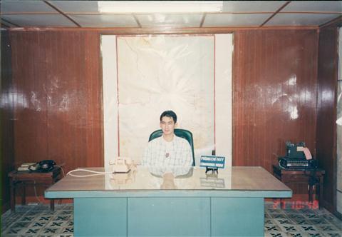 199312HKGSGNPEN008.jpg